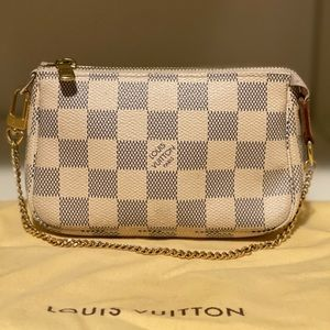 Louis Vuitton Mini Pochette (Damier Azur)